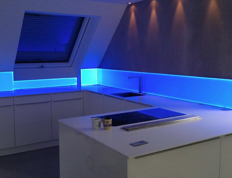 schlafzimmer licht lotus ceiling lamps santa cruz. Black Bedroom Furniture Sets. Home Design Ideas